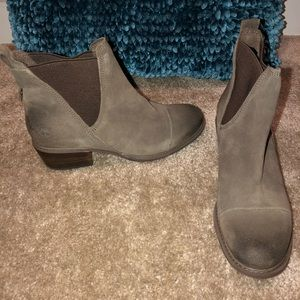 TIMBERLAND OLIVE BOOTIE 8.5